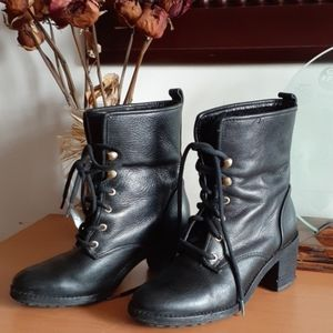 Hunter Leather and Shearling Marisa Boots 6.5